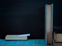 Tafel und Bücher Lizenzfreie Stockfotos