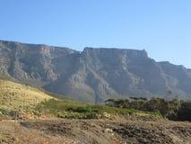 Tafelberg genommen von der Spur im Naturreservat stockfoto