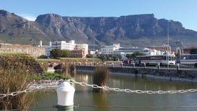 Tafelberg vom Hafen Stockfoto