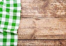 Tafelkleed op houten lijst Stock Afbeelding