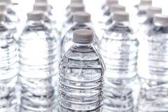 Tafelwasser-Reihen lizenzfreie stockbilder