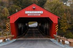 Taftsville täckte bron Vermont royaltyfri bild