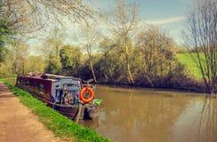 Tag durch ruhiges Wasser - englischer Verbands-Kanal stockbild