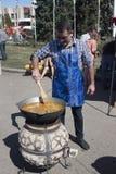 Tag von Sloviansk Bürgermeister Vadim M Lyakh am Sloviansk-Cathedra Lizenzfreie Stockfotos