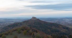 Tag zur Nachtzeitversehenansicht von Hohenzollern-Schloss, Deutschland stock footage