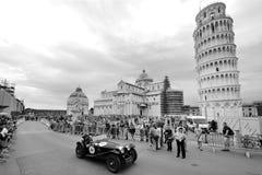 Tagande för en Riley prototyp särar till Migliaen 1000 i Pisa Arkivfoton
