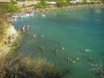 Taganga drängte Strand in Kolumbien Stockbild