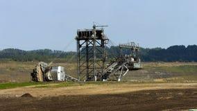 Tagebau Aldenhoven: máquina escavadora da cubeta-roda em uma mina do lignite vídeos de arquivo