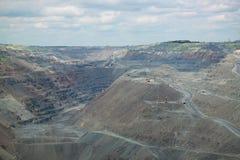 Tagebau des Eisenerzes Stockfotografie