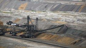 Tagebau Hambach: impilatore in una miniera della lignite archivi video