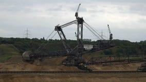 Tagebau Hambach: máquina escavadora da cubeta-roda em uma mina do lignite filme