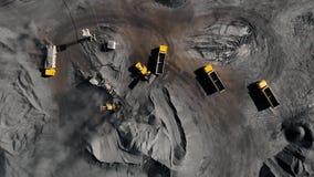 Tagebaubergwerk, mineralgewinnende Industrie f?r Kohle, Draufsichtluftbrummen stock footage
