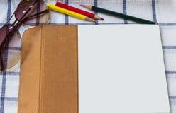 Tagebuch auf einem weißen Hintergrund Lizenzfreies Stockfoto
