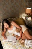 Tagebuch im Schlafzimmer Lizenzfreie Stockfotos