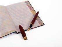 Tagebuch und Füllfederhalter Lizenzfreie Stockbilder