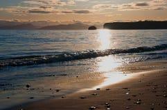 Tagesanbruch auf einem Meer. Stockfotos