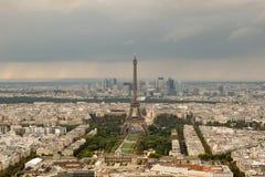 Tagesansicht des Eiffelturms stockfotos