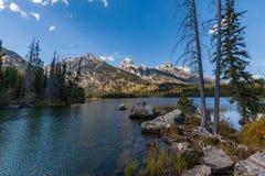 Taggart Lake scenico nella caduta Fotografia Stock