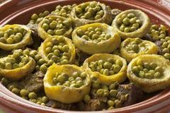 Tagine z mięsem, karczochów sercami i zielonymi grochami, Fotografia Stock