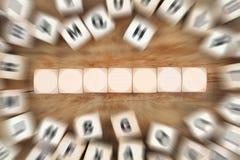 Tagli con copyspace per sette lettere o concetti di affari del testo Fotografia Stock Libera da Diritti