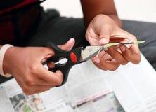 Tagli del giornale, raccoglienti gli articoli di notizie fotografie stock libere da diritti