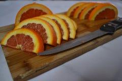 Tagli di recente le arance Immagine Stock