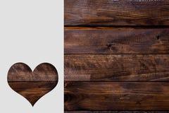 Tagli il cuore sulla carta Fotografia Stock