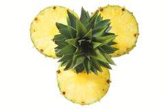 Tagli l'ananas Immagini Stock