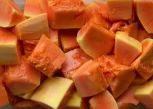 Tagli la frutta della papaia Immagini Stock