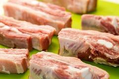 Tagli salati e esperti della lonza di maiale Fotografia Stock
