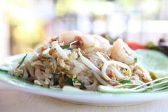 Tagliatella fritta padthai tailandese dell'alimento con gambero immagine stock libera da diritti