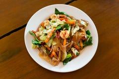 Tagliatella fritta tailandese dei frutti di mare Fotografie Stock