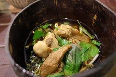 Tagliatella tailandese con carne di maiale Fotografia Stock Libera da Diritti