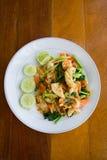 Tagliatella tailandese con frutti di mare Immagini Stock Libere da Diritti