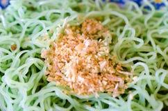 Tagliatella verde del cinese dell'erba Immagini Stock