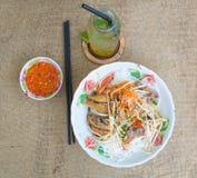 Tagliatella vietnamita con carne di maiale e la verdura Fotografia Stock Libera da Diritti