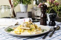 Tagliatelle макаронных изделий с грибами Стоковая Фотография