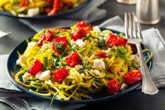 Tagliatelle casalinghe Zoodles dello zucchini Fotografia Stock Libera da Diritti