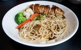 Tagliatelle cinesi del pollo Fotografie Stock