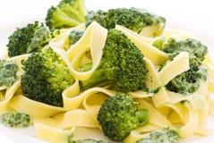Tagliatelle con broccolo fotografie stock libere da diritti
