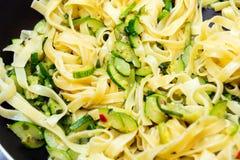 Tagliatelle con lo zucchino Immagine Stock