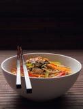 Tagliatelle del grano saraceno nello stile giapponese Immagine Stock