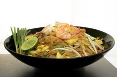Tagliatelle dell'alimento della Tailandia (cuscinetto tailandese) Fotografia Stock Libera da Diritti