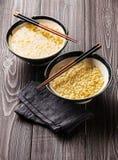 Tagliatelle di ramen del miso e bastoncini asiatici Immagini Stock
