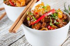 Tagliatelle di riso fritto con gamberetto Fotografia Stock Libera da Diritti