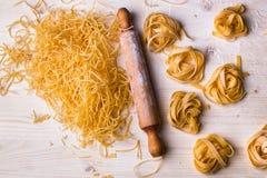 Tagliatelle e pasta casalinghe Immagine Stock