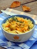 Tagliatelle, espaguete com a galinha com abóbora s fotos de stock