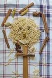 Tagliatelle fatte a mano turche, tagliatelle naturali, tagliatella naturale, vermicelli fatti a mano, pasta fatta a mano Fotografie Stock Libere da Diritti