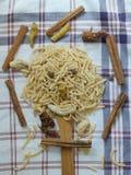 Tagliatelle fatte a mano turche, tagliatelle naturali, tagliatella naturale, vermicelli fatti a mano, pasta fatta a mano Fotografia Stock Libera da Diritti