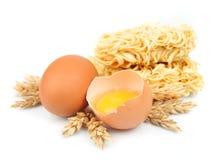 Tagliatelle fresche con le uova Fotografie Stock